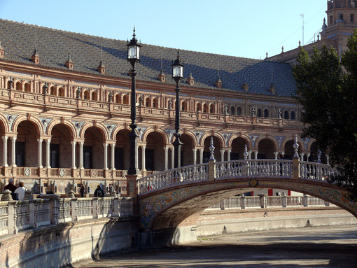Royal Palace Square. Bridge. Foto Siviglia.