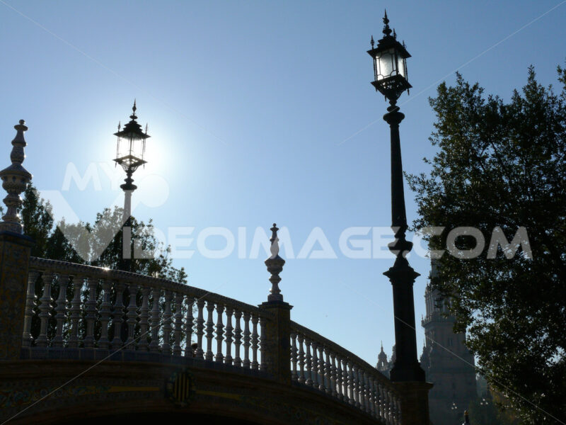 Royal Palace Square. Bridge. - MyVideoimage.com