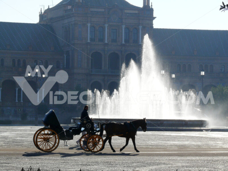 Royal Palace Square. Fountain. Foto Siviglia.