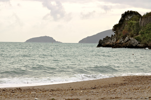 Sea beach and the islands of Tino and Palmaria at Baia Blu (La Spezia) - MyVideoimage.com