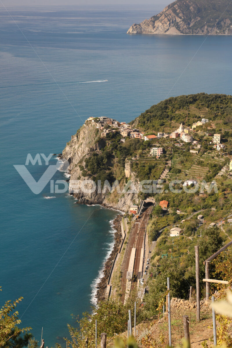 Seascape with the village and train station of Corniglia in the Cinque Terre. Foto treno. Train photo.