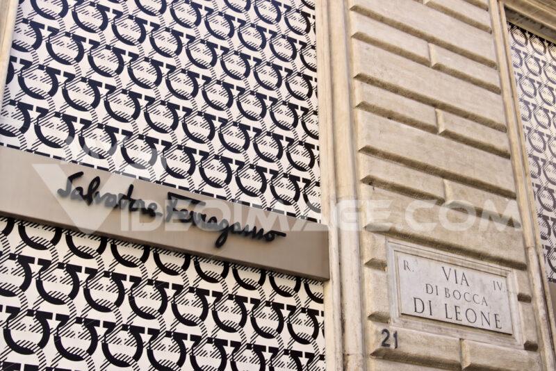 Showcase of the Salvatore Ferragamo store in Via Condotti. - MyVideoimage.com