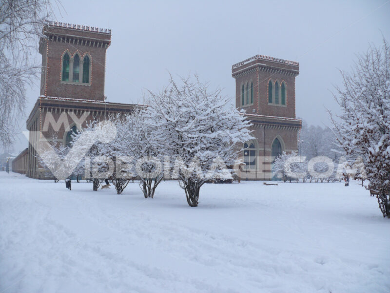 Snowfall at the park of the textile museum of Busto Arsizio. - MyVideoimage.com
