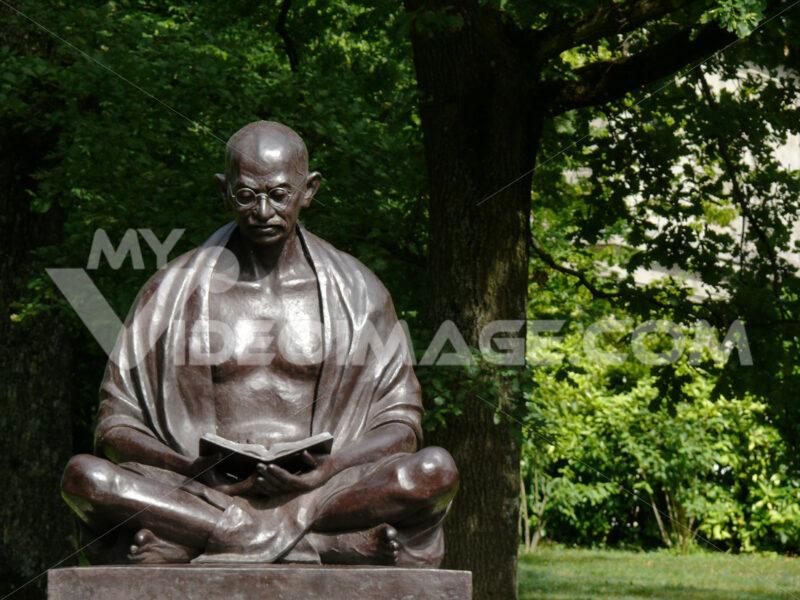 Statue of Mahatma Gandhi in the Ariana Park - MyVideoimage.com