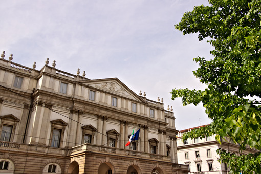 Teatro alla Scala in Milan. Main facade. - MyVideoimage.com