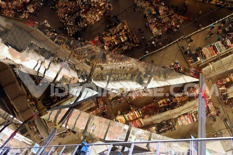 The ceiling of the Mercat Dell Encants of Barcelona. A modern building with a mirrored ceiling. Barcellona foto. Barcelona photo.