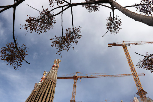 The construction site of the Sagrada Familia originally designed by Antoni Gaudi. - MyVideoimage.com