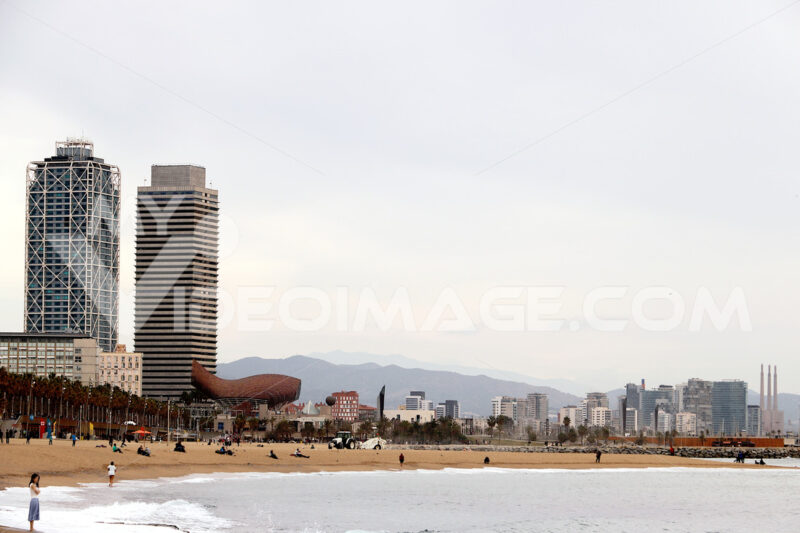 The skyline of Barcelona with the sea, the beach and modern buildings. Barcellona foto. Barcelona photo.