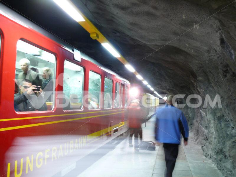 The train leading to the Jungfraujoch. Foto treno. Train photo.