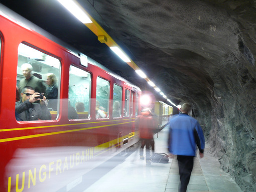 The train leading to the Jungfraujoch. Foto treno. Train photo.