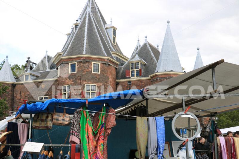 Tourist market in the city center. - MyVideoimage.com