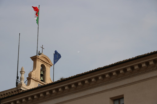 Turret with flags at the Quirinale palace, residence of the President of the Italian Republic. - MyVideoimage.com