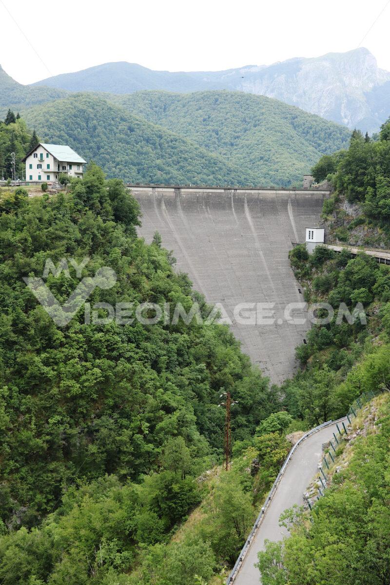Vagli, Garfagnana, Apuan Alps, Lucca, Tuscany. Italy.  07/09/201 - LEphotoart.com