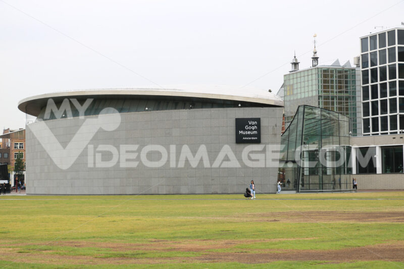 Van Gogh Museum. Van Gogh Museum. New pavilions of contemporary and modern archit - MyVideoimage.com | Foto stock & Video footage