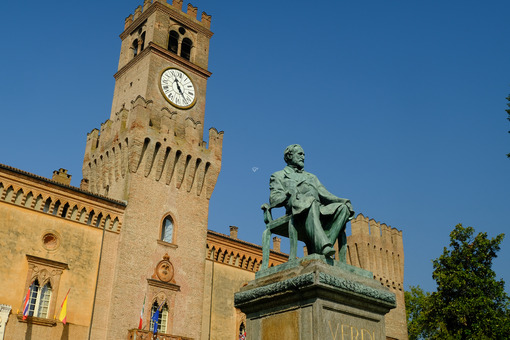 Verdi monument in Busseto. Monument to the Italian composer Giuseppe Verdi. Stock photos. - MyVideoimage.com | Foto stock & Video footage