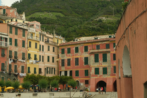 Vernazza, Cinque Terre, Liguria. Seaside village with colorful houses. Social distancing in the Coridavirus Covid-19 period. - MyVideoimage.com