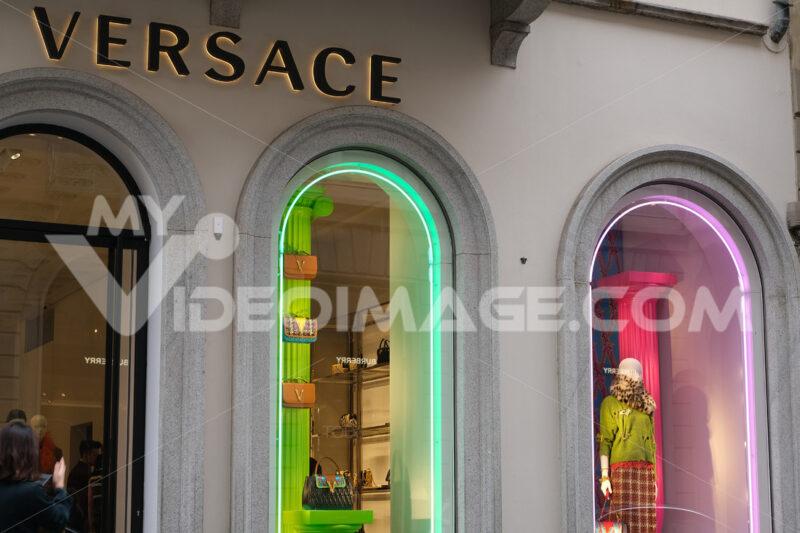 Versace Boutique with shop windows on Via Montenapoleone in Mila - MyVideoimage.com