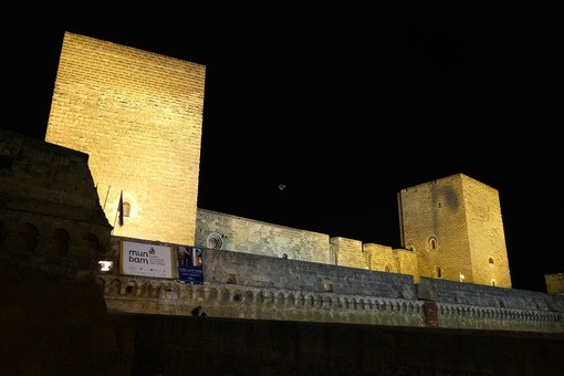 Walls of the Norman Swabian castle of Bari. Filming with night lighting of the fort built by Frederick II. - MyVideoimage.com