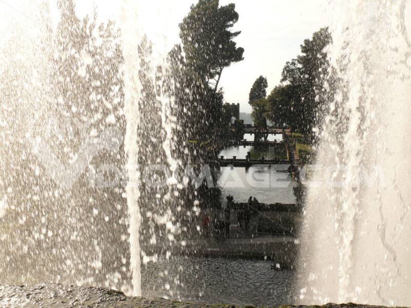 Water jets and fountains of the Villa d'Este in Tivoli. - MyVideoimage.com