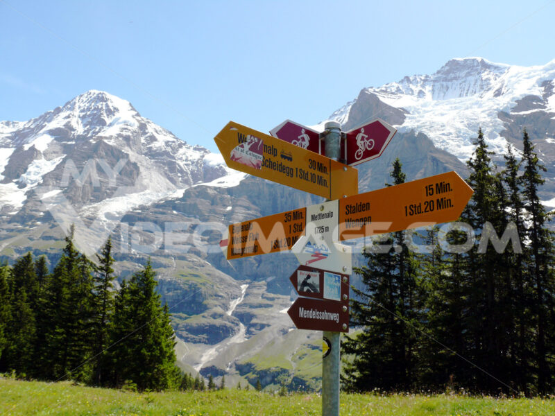 Wengen, Switzerland. 08/04/2009. Signposts indicating mountain trails. Foto Svizzera. Switzerland photo
