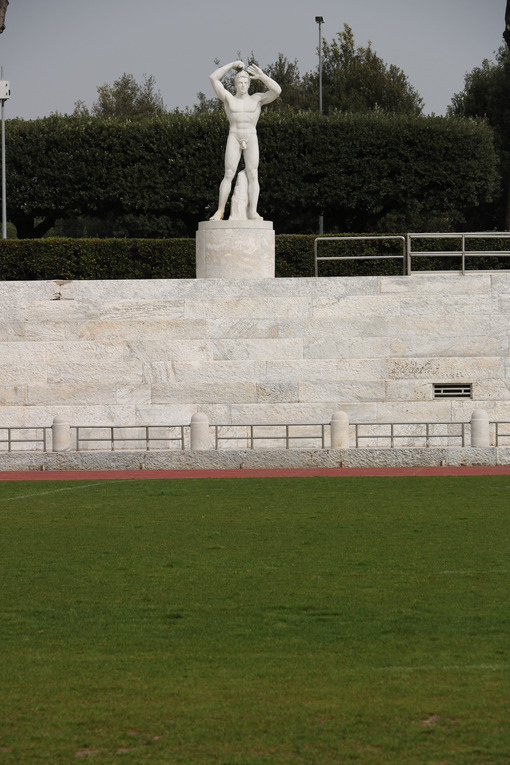 White Carrara marble sculptures at the marble stadium of the Italian forum in Rome. - MyVideoimage.com