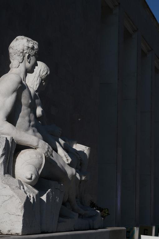 White Carrara marble sculptures at the royal palace at the Santa Maria Novella station in Florence. - MyVideoimage.com