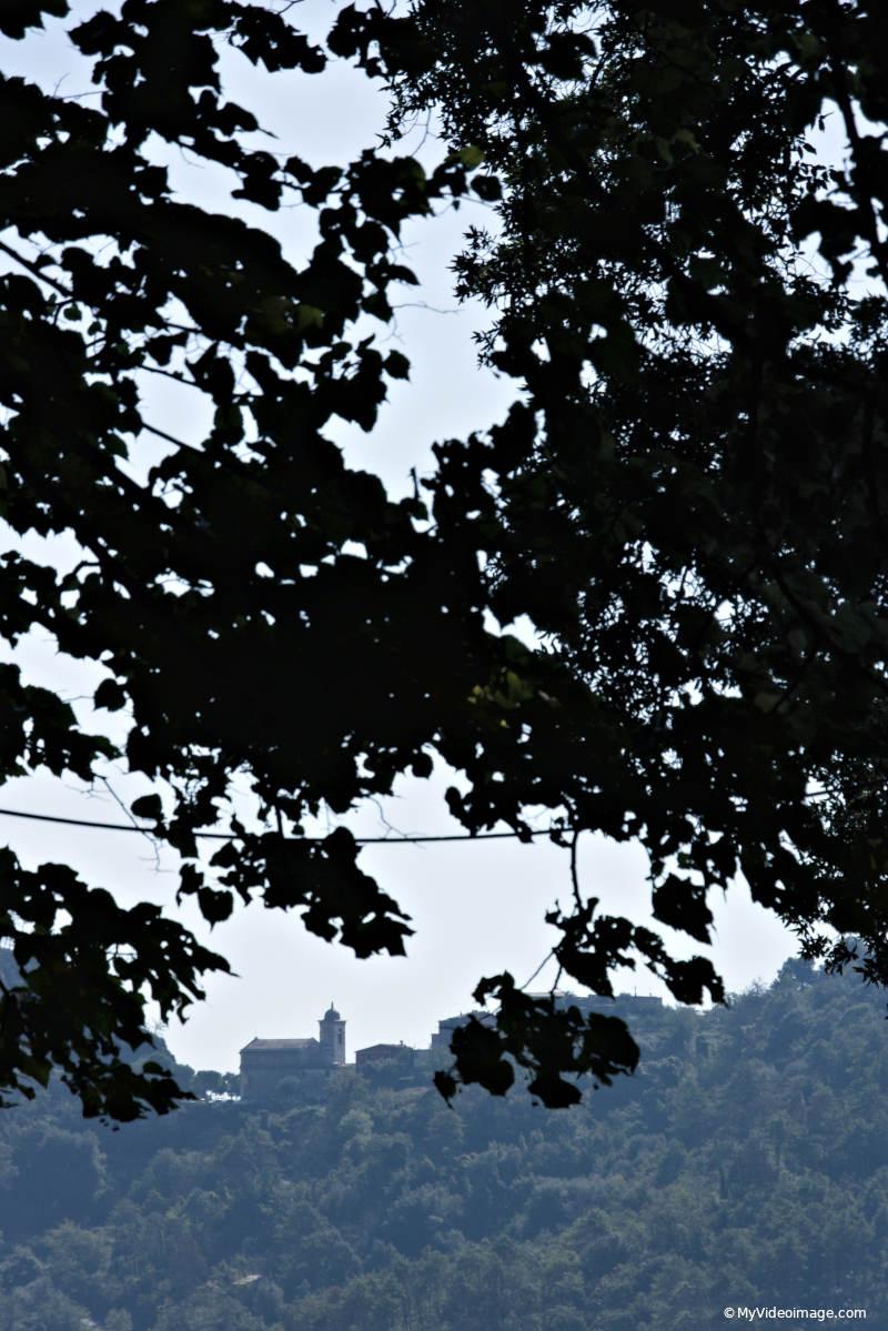 Vacanze Covid. Sentieri e santuari delle Cinque Terre. Myvideoimage.com